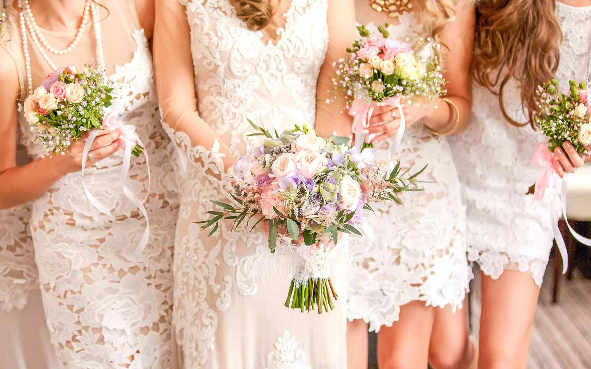 Gorgeous-Bridesmaid-Wedding-Bouquets-by-Diamond-Events-Wedding-Event-planning-services