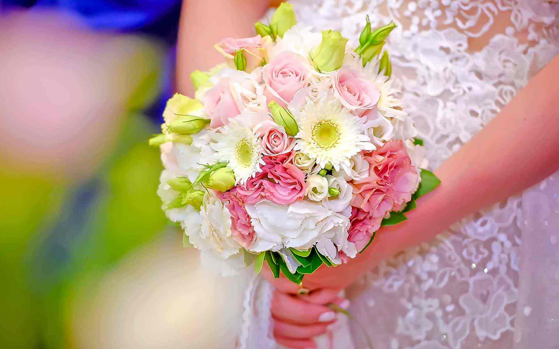 Vintage-Wedding-Bouquet-by-Diamond-Events-Wedding-Event-planning-services