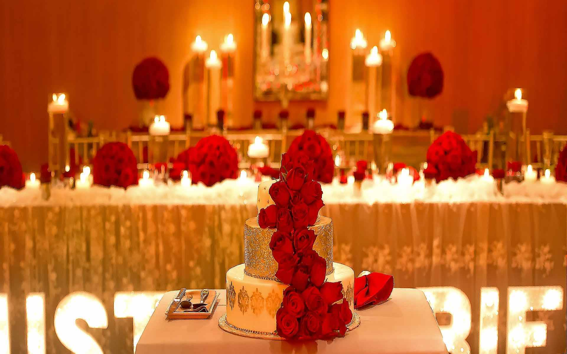 Red-Rose-Cake-For-A-Christmas-Wedding-by-Diamond-Events-Wedding-Event-planning-services