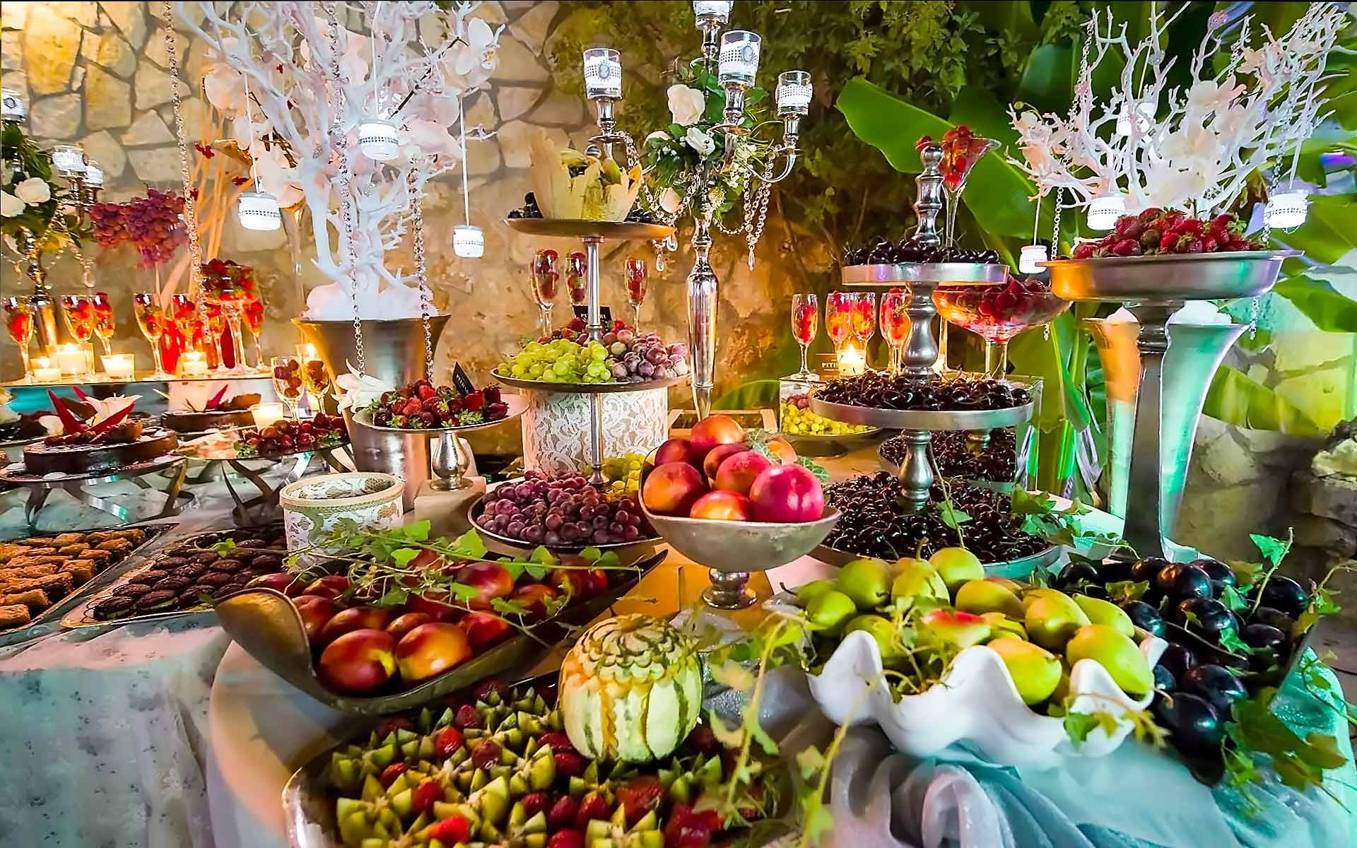 Wedding-Buffet-Table-Decorating-Ideas-By-Diamond-Events