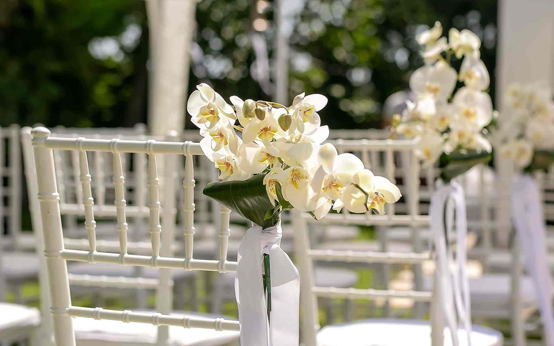 Chiavari-chair-with-white-orchids-Luxe-Wedding-Decoration-by-Diamond-Events-Wedding-Event