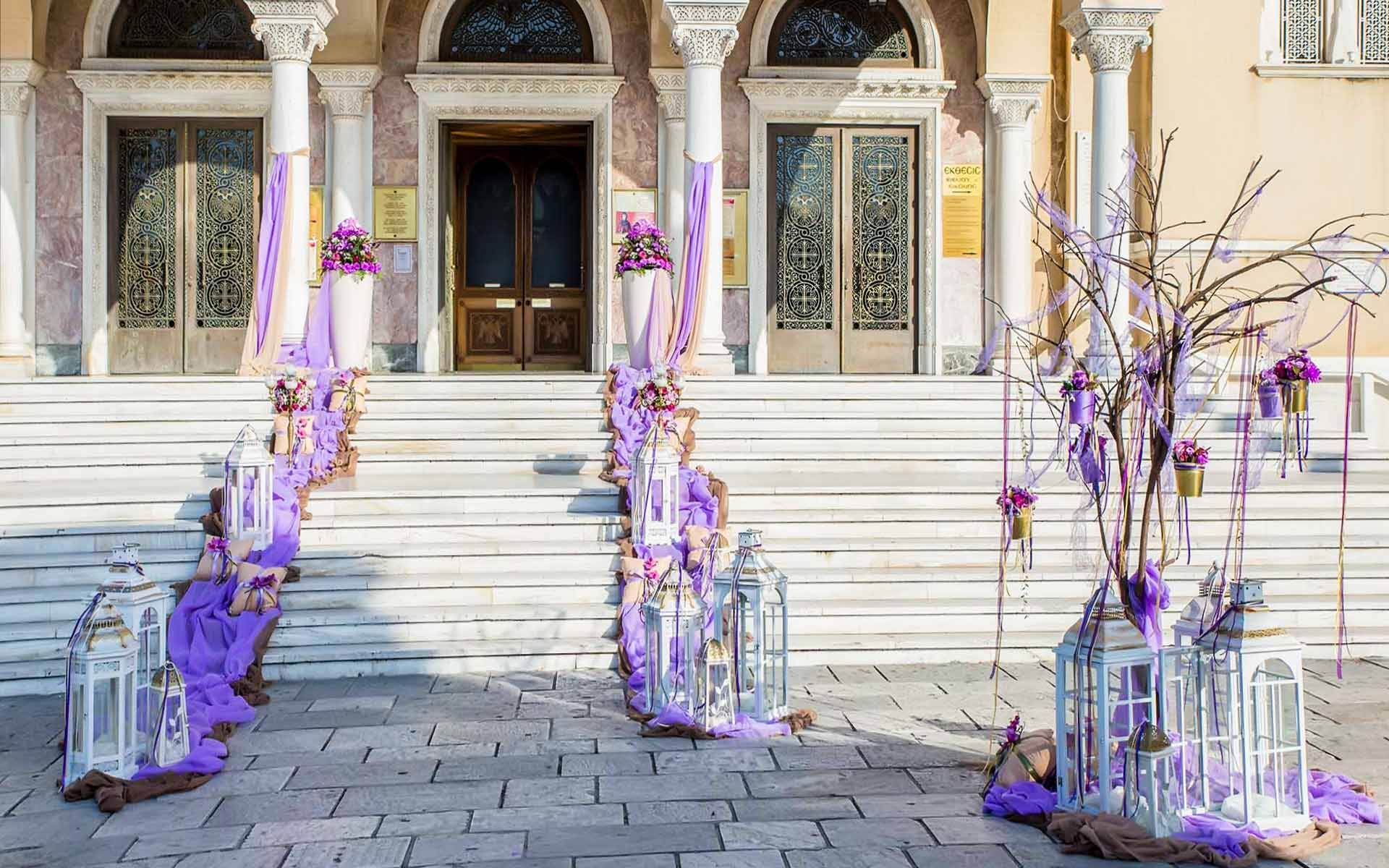 Exterior-church-decoration-in-the-colors-of-lavender-by-Diamond-Events-Wedding-Event-planning-services