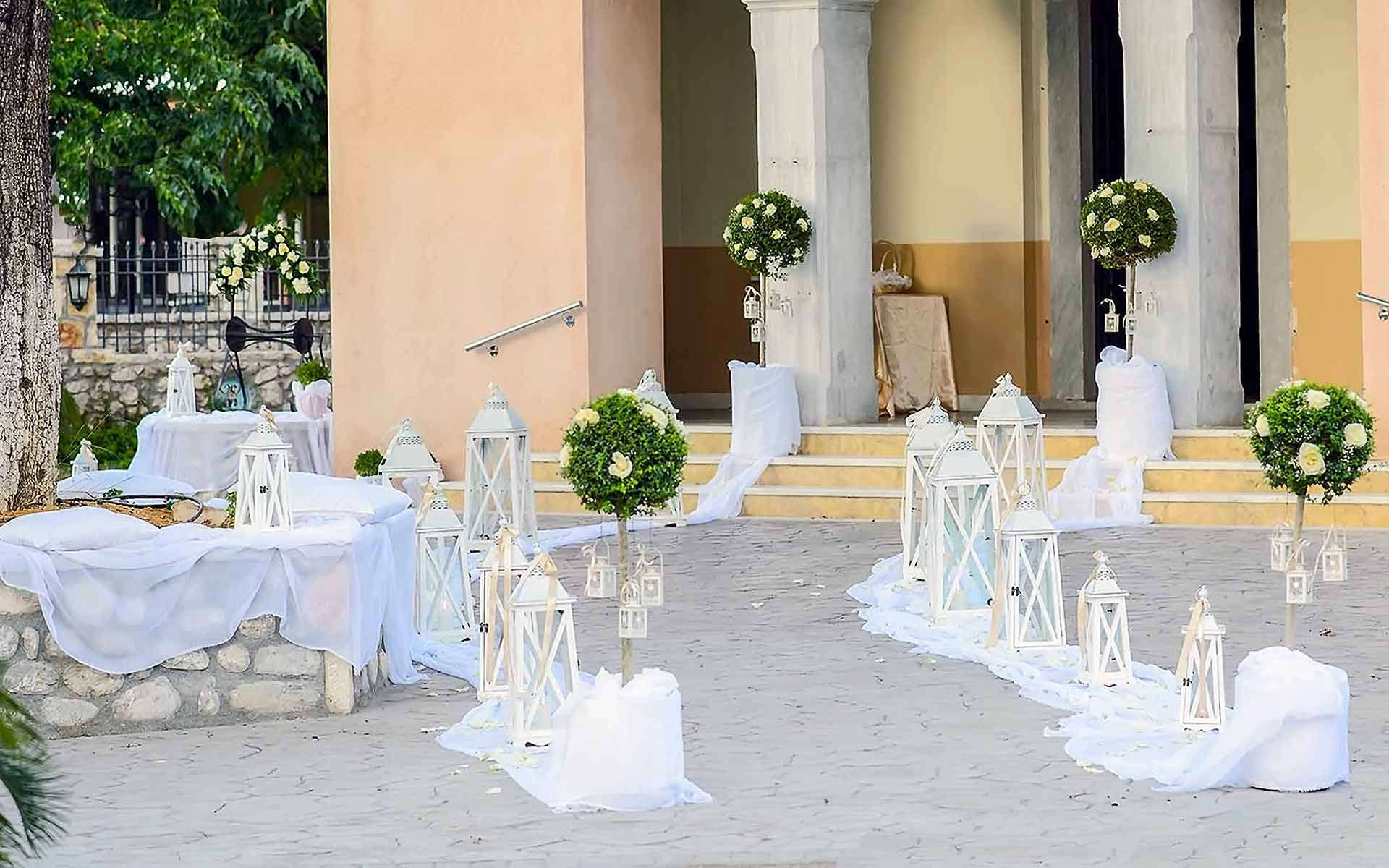 Romantic-outdoor-wedding-decor-inspiration-by-Diamond-Events-Wedding-Event-planning-services