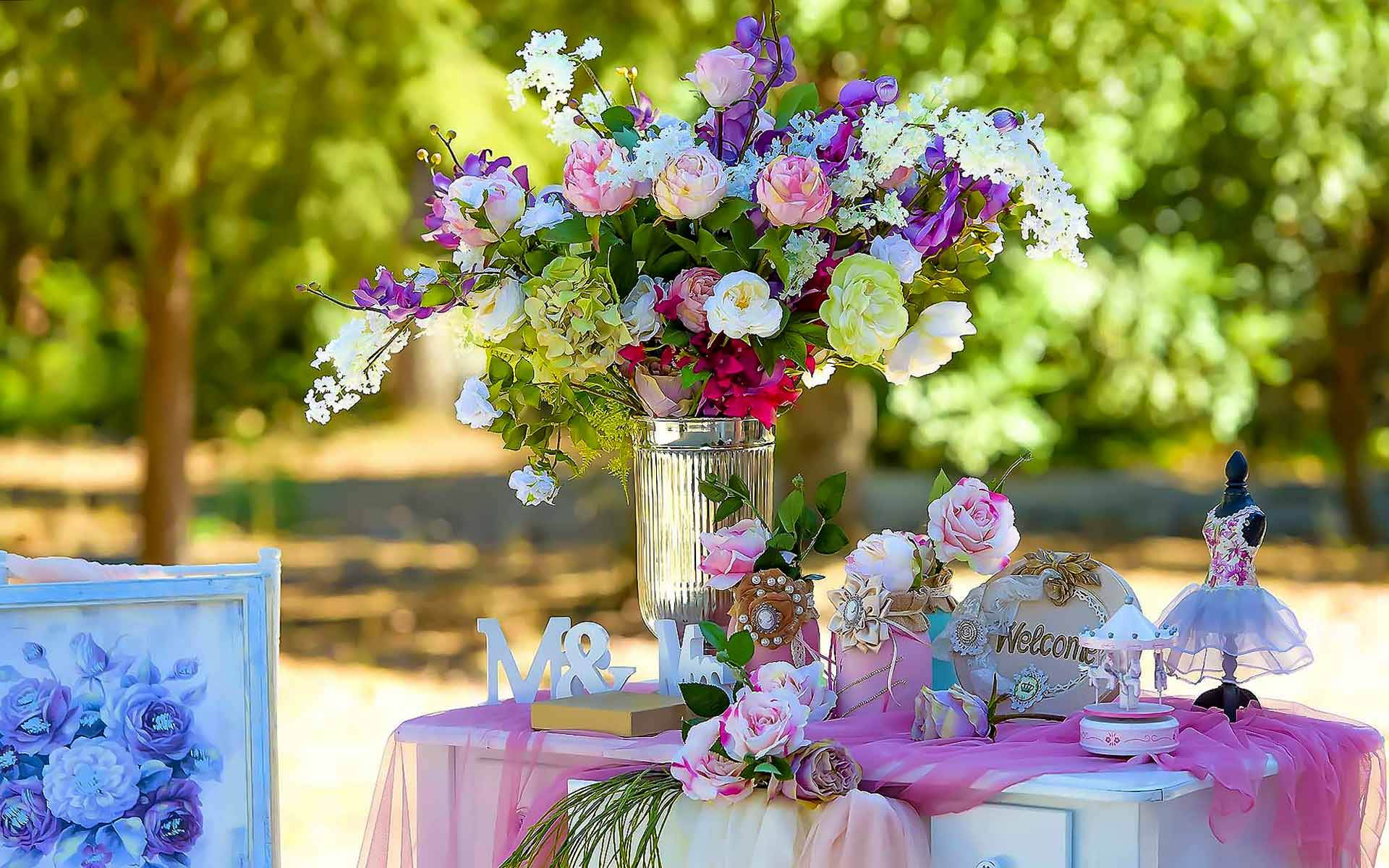 A-Gorgeous-Christening-Guest-Book-Tabletop-Decoration