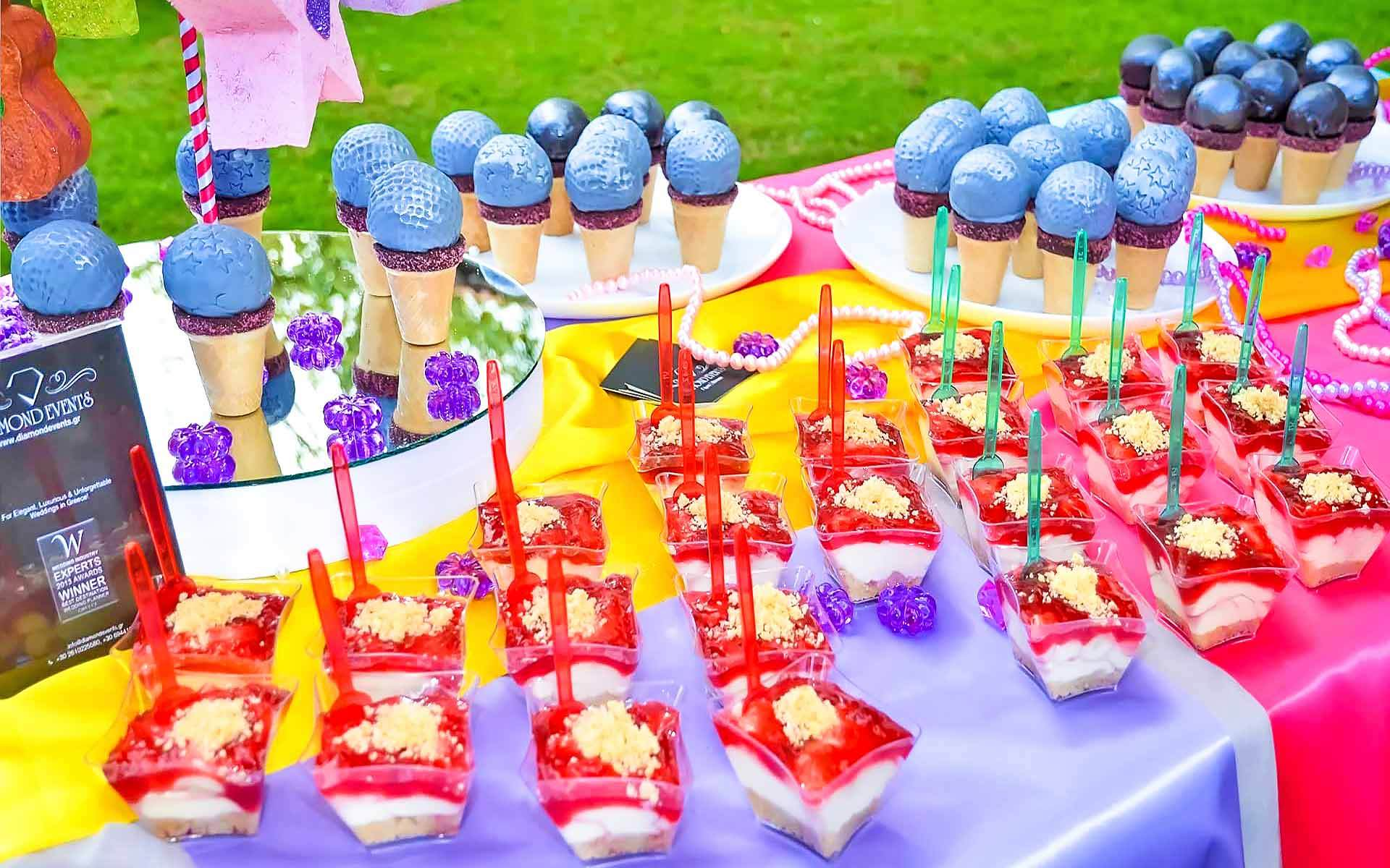 Candy-Microphone-Party-Favors-Dessert-Table