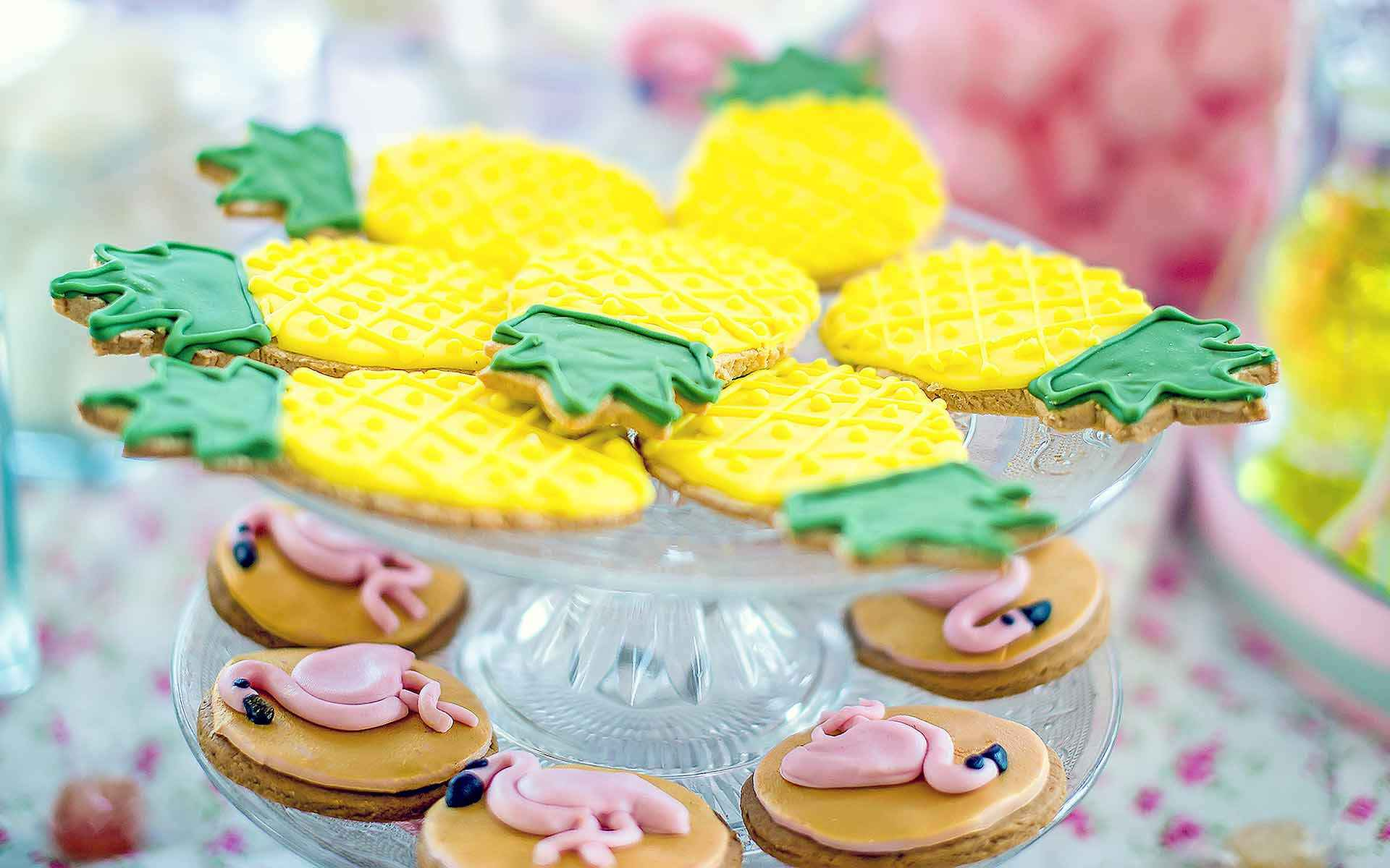 Flamingo-Biscuits-For-Tropical-Themed-Bridal-Shower-Or-Bachelorette-Party