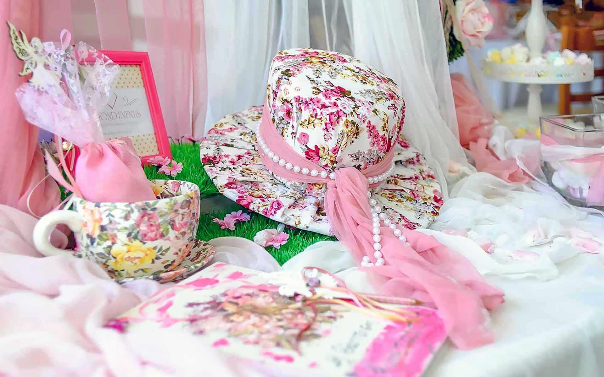 Pretty-In-Pink-And-Floral-Tea-Cups-An-Exquisite-Chic-Flair