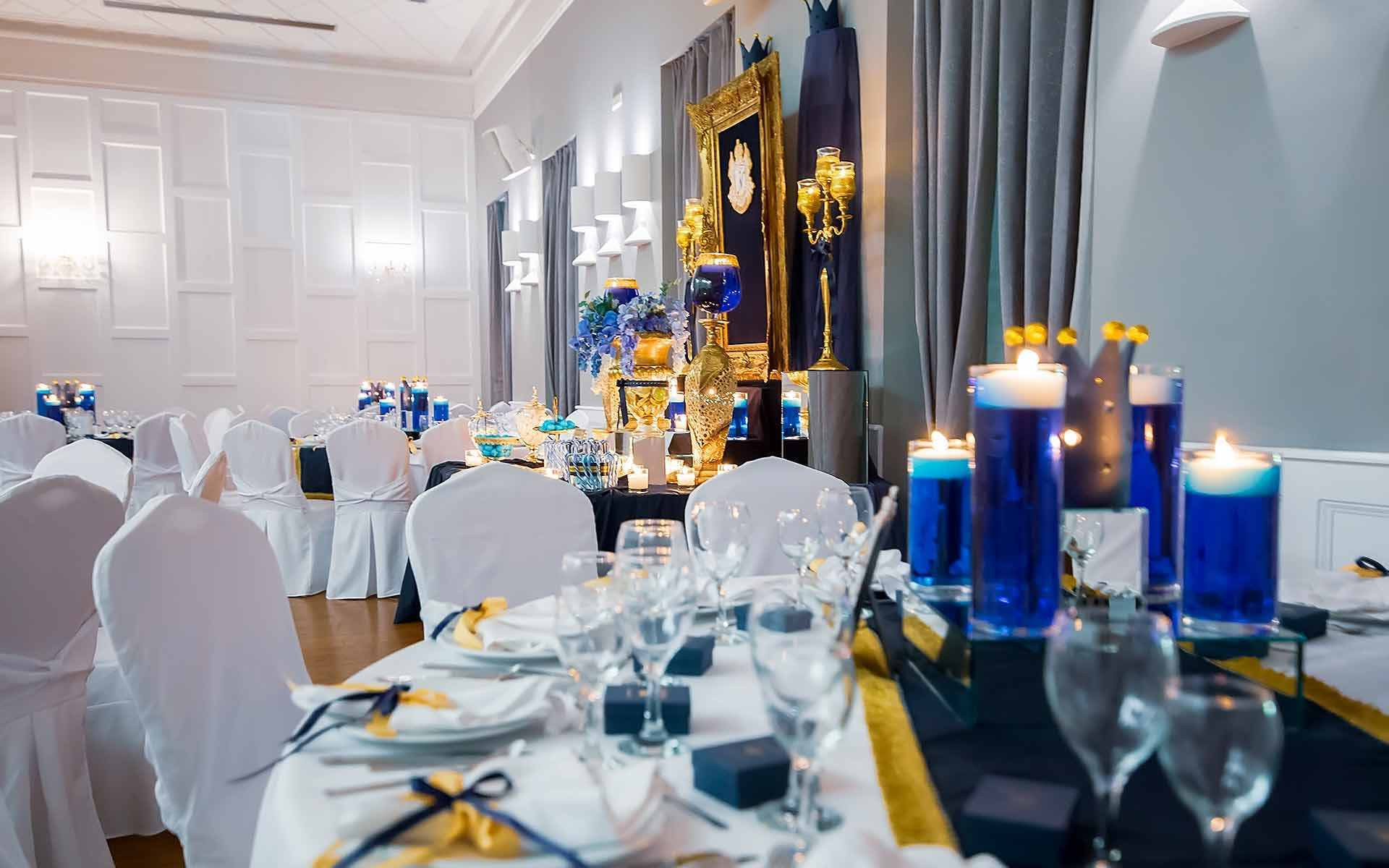 Royal-Blue-And-Gold-Wedding-Party-Decoration