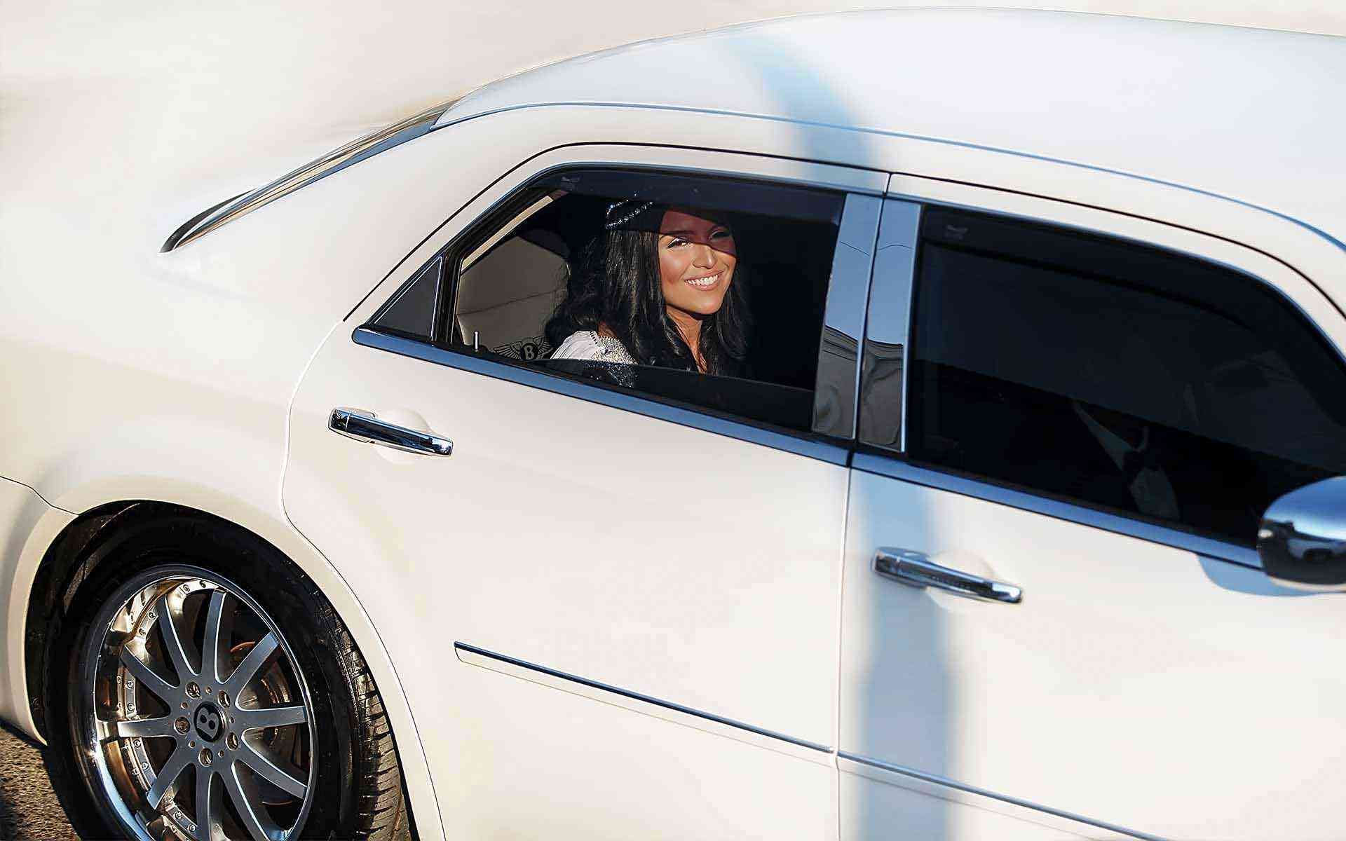 The-Beautiful-Bride-Has-Just-Arrived-In-Church-With-The-White-Bentley