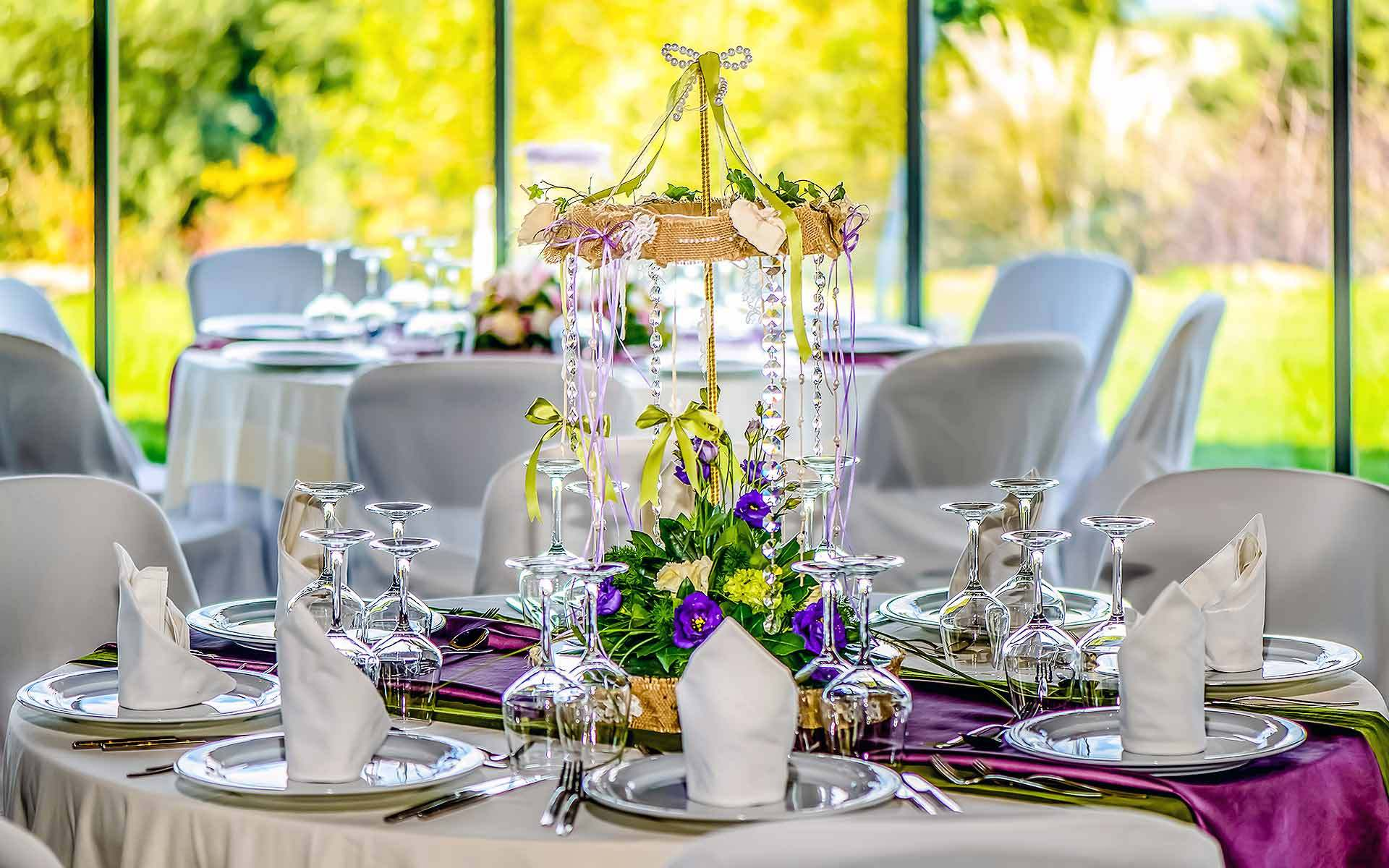 Carousel-Centerpiece-Decoration-by-Diamond-Events-Wedding-Event-planning-services