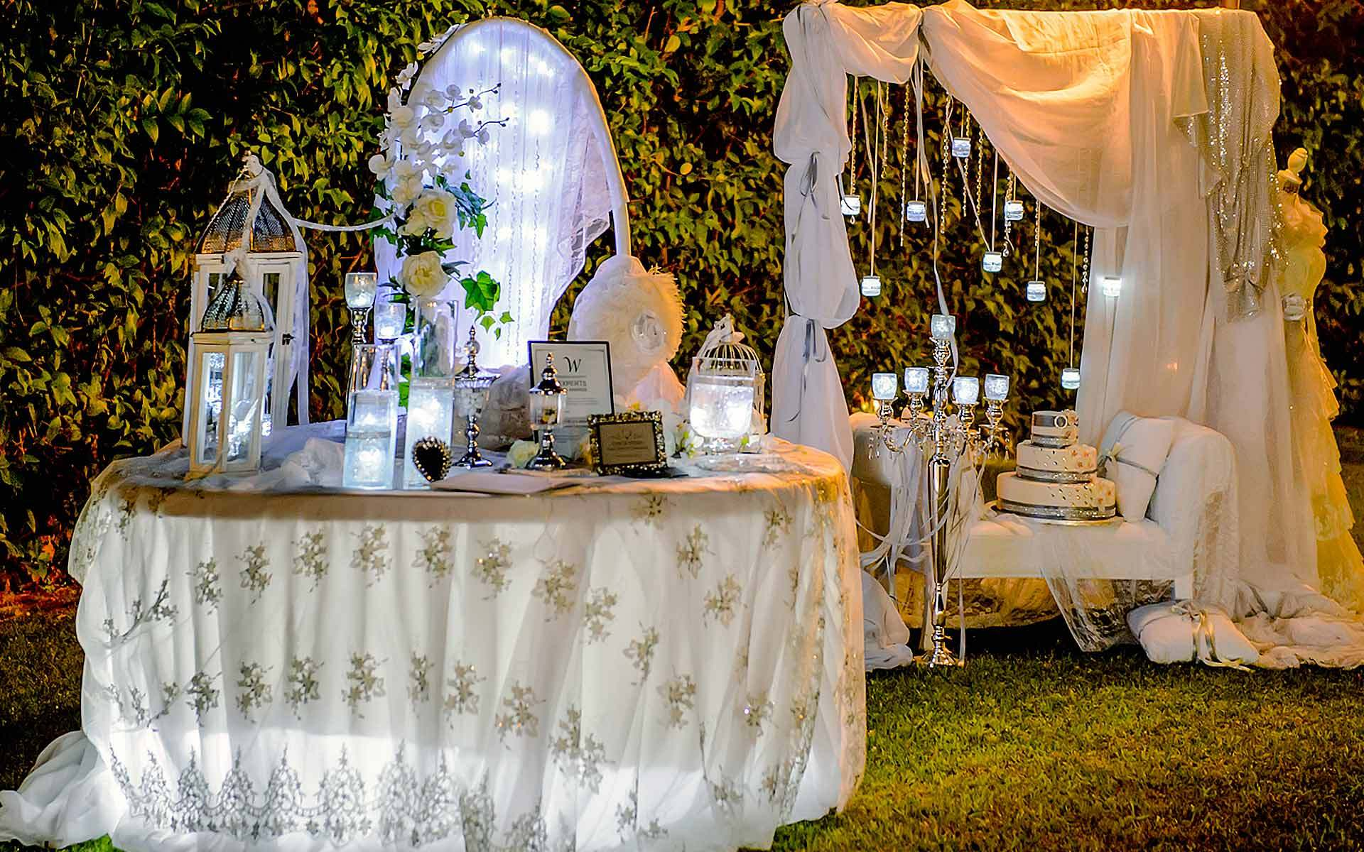 Creative-Guest-Book-table-in-white-colors-by-Diamond-Events-Wedding-Event-planning