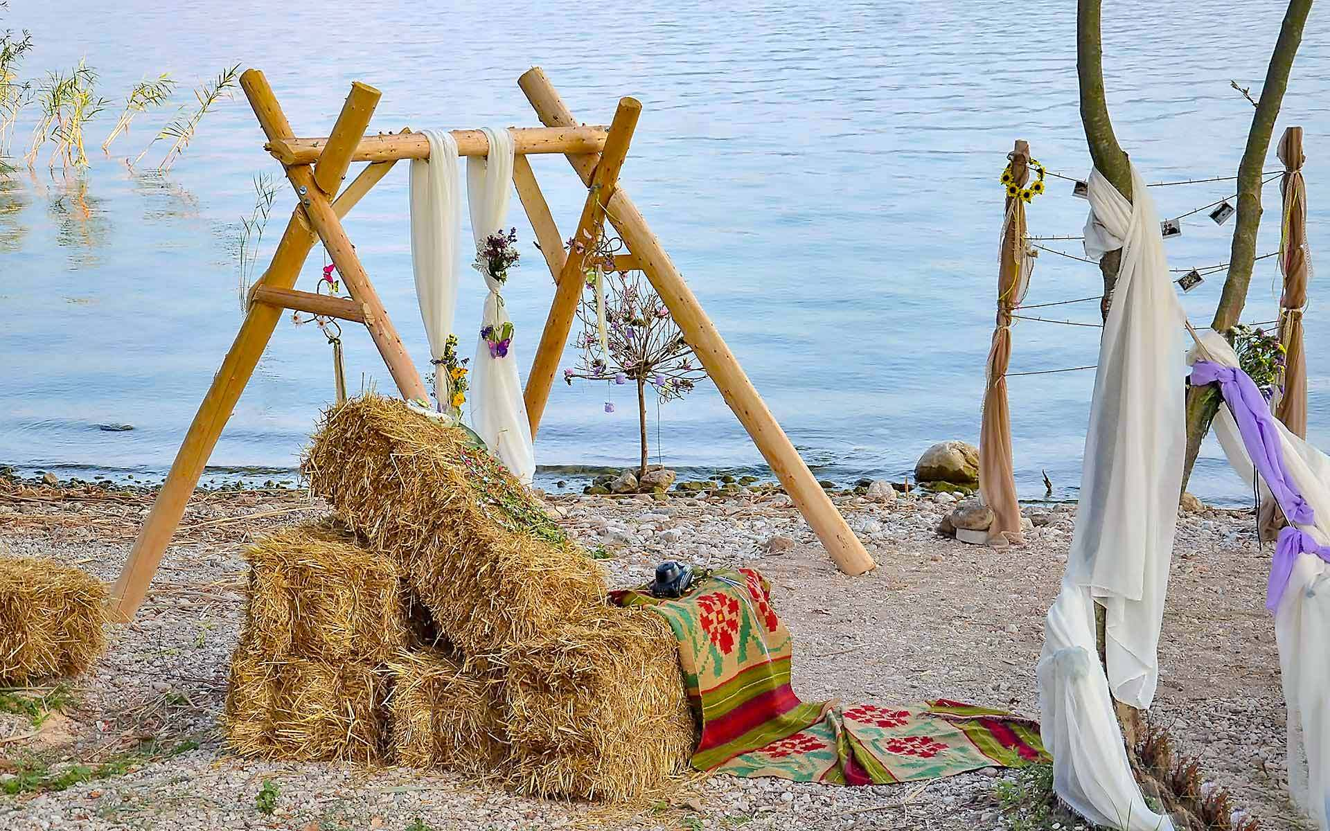 Seaside-Baby-Cradle-For-Boho-Weddings-Decoration-by-Diamond-Events