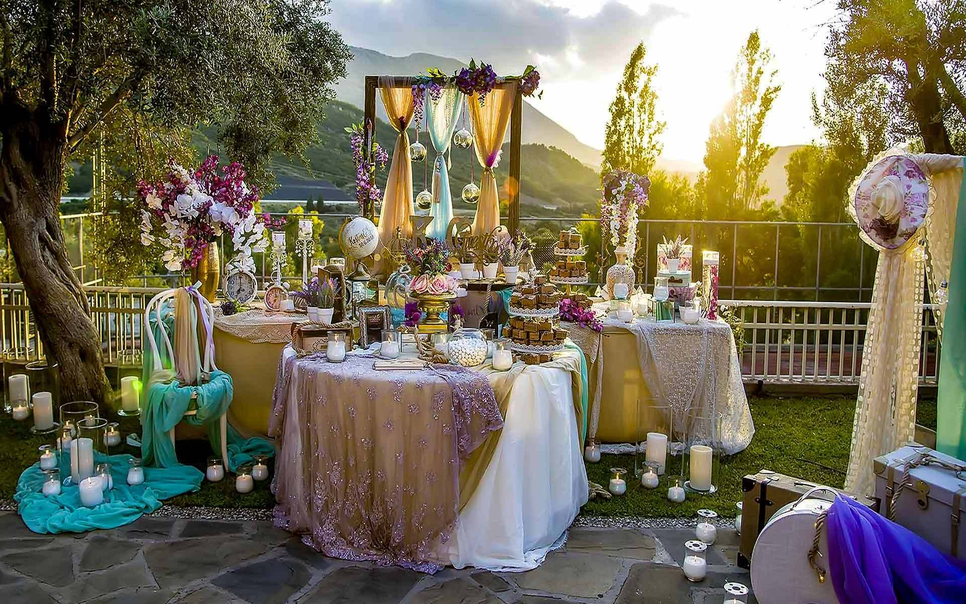 Stunning-Wedding-Guest-Book-Table-For-Your-Guest-To-Sign-In
