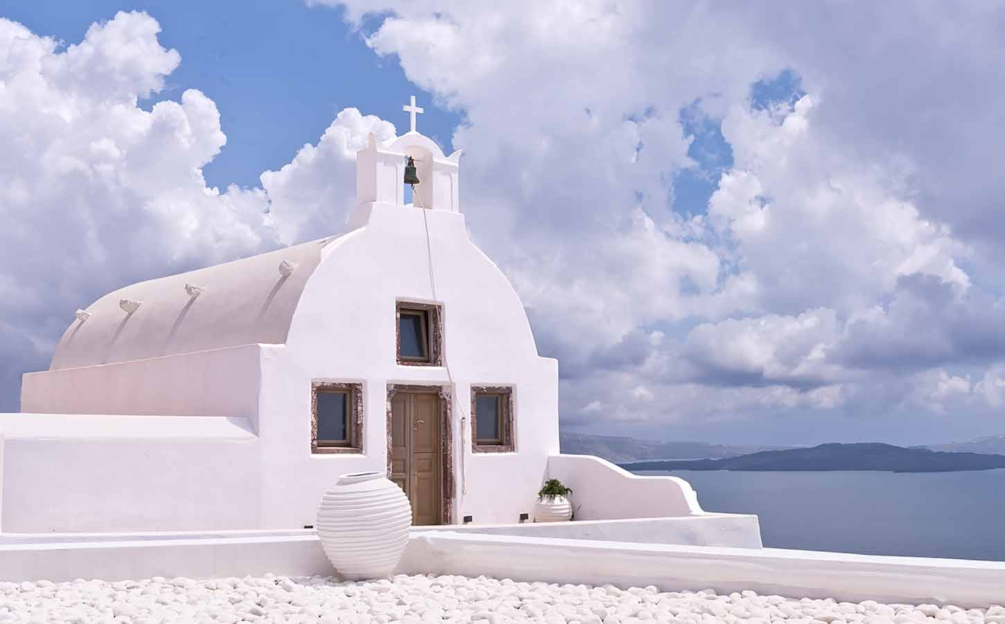 Church-in-the-clouds-in-Santorini-diamond-events-planners-greece