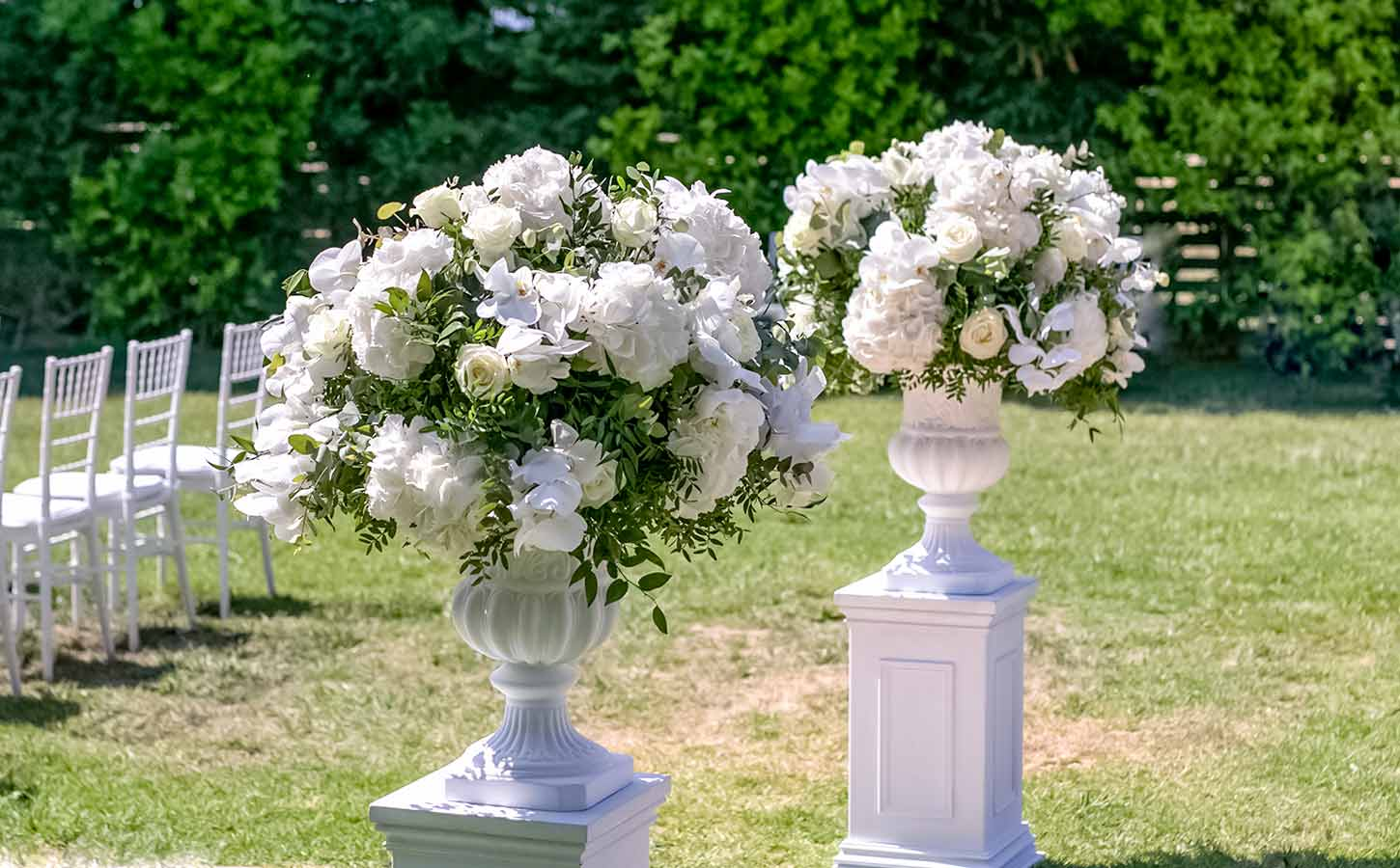 cermony-flower-compositions-orchids-hydrangeas-diamond-events-destination-wedding-planner