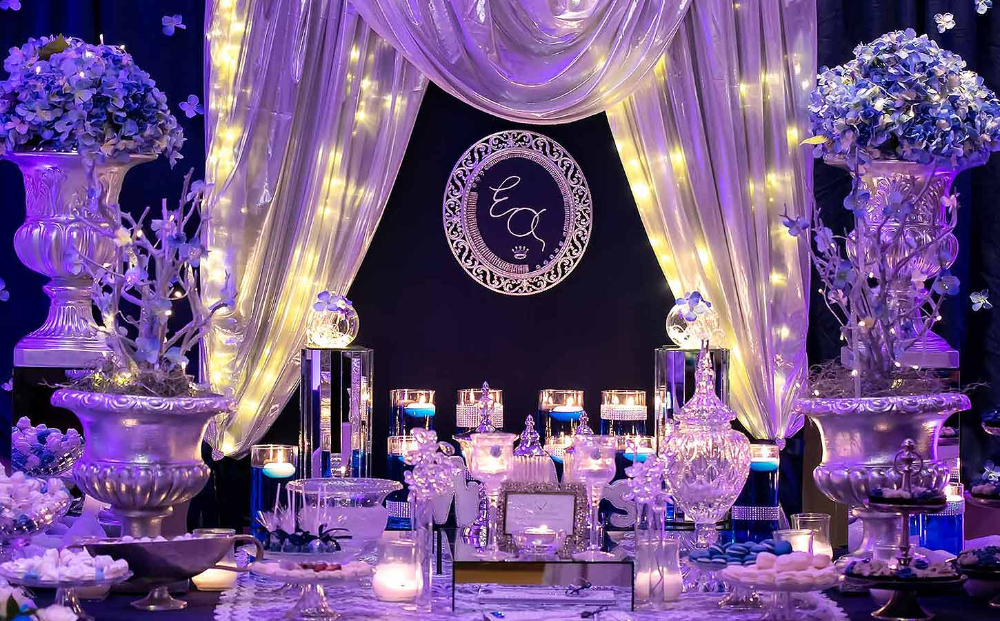 guest-book-table-in-blue-royal-table-diamond-events-luxury-event-planning-service