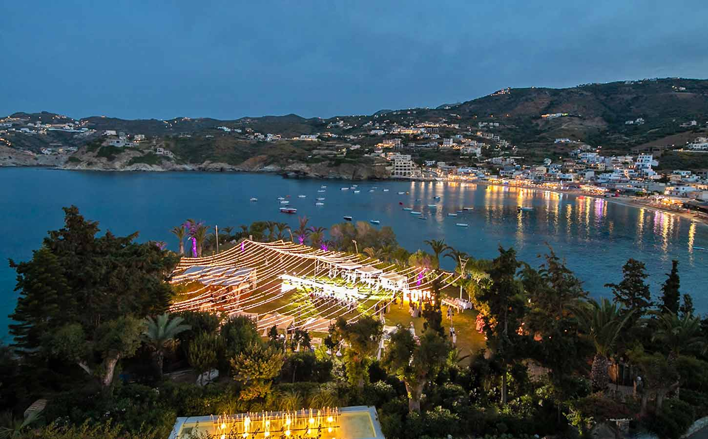 out-of-the-blue-fairy-tale-wedding-in-crete-capsisresort-diamondevents.gr